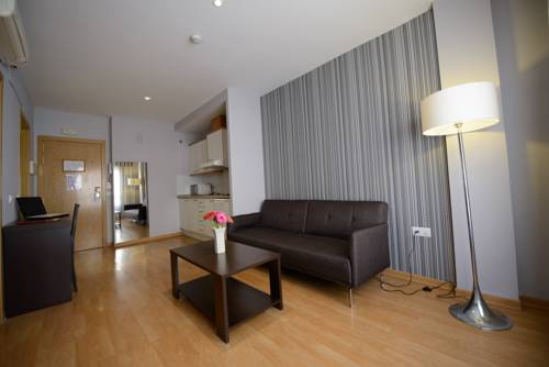 Habitación doble dos camas separadas del hotel Ascarza Badajoz. Foto 1