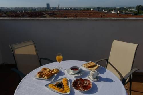 Habitación doble Terraza Superior dos camas separadas del hotel Ascarza Badajoz. Foto 1
