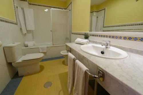 Habitación doble Terraza Superior dos camas separadas del hotel Ascarza Badajoz. Foto 3