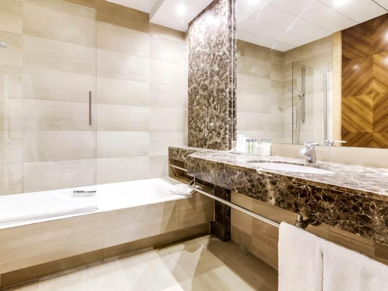 Habitación doble Confort del hotel Sercotel Acteon. Foto 1