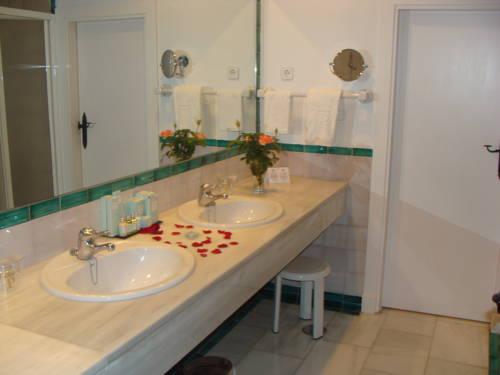 Habitación doble Superior dos camas separadas del hotel Parador de Jaén. Foto 3