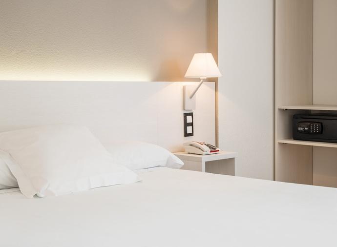 Habitación doble Accesible del hotel Ilunion Valencia 3. Foto 1