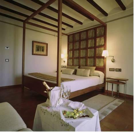Habitación doble  del hotel Parador de Toledo. Foto 1