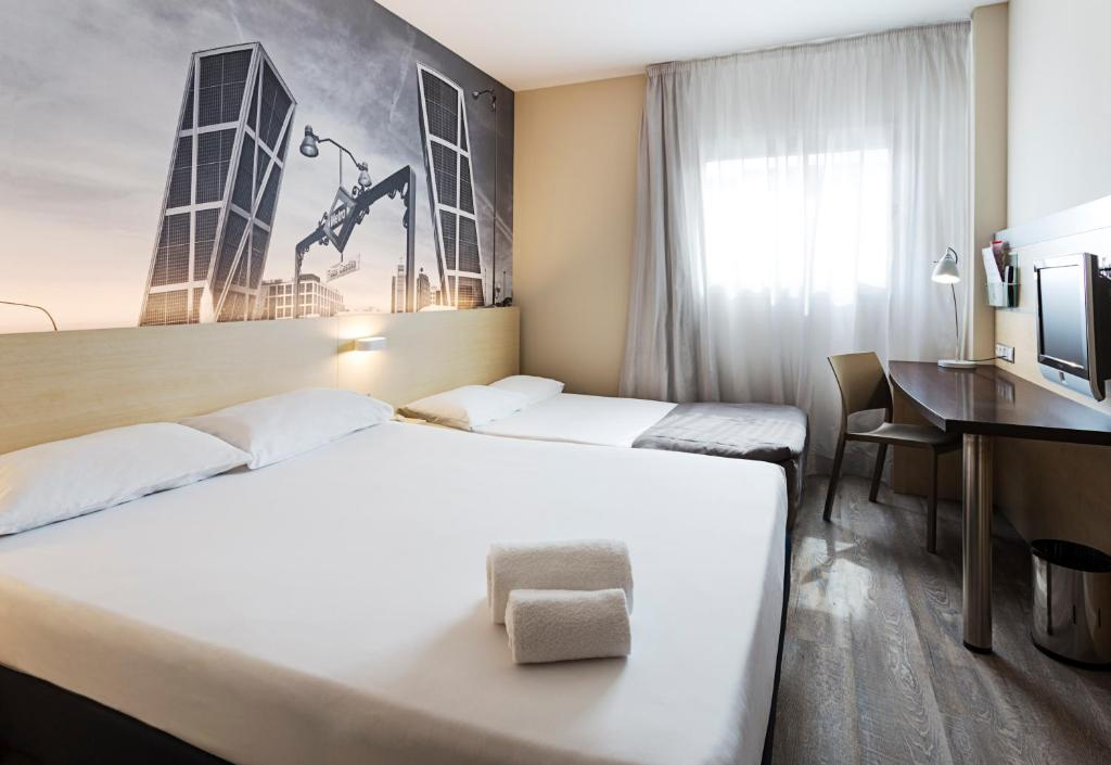 Habitación familiar Fumadores del hotel B&b Madrid Airport