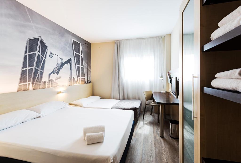 Habitación familiar  del hotel B&b Madrid Airport
