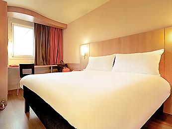 Habitación doble  del hotel Ibis Malaga Centro Ciudad. Foto 3
