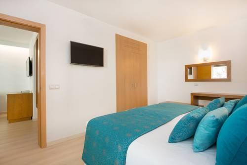 Habitación familiar Vista Piscina del hotel Iberostar Playa de Muro Village