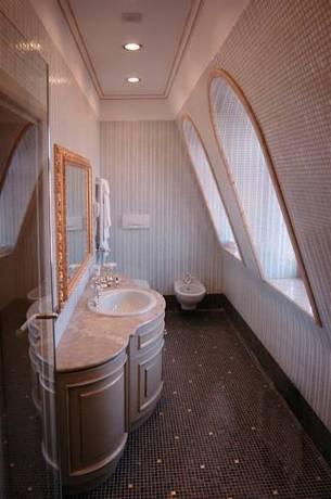 Habitación doble Superior dos camas separadas del hotel Andreola Central. Foto 1