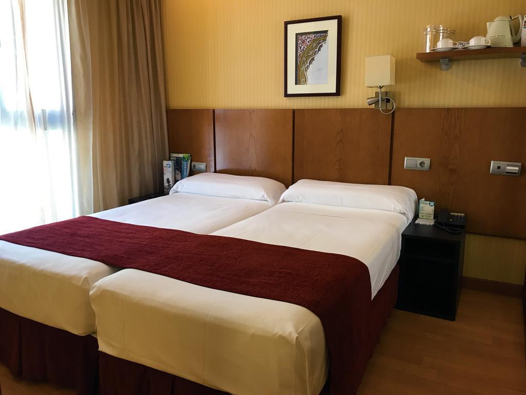 Habitación doble Económica del hotel Senator Granada Spa