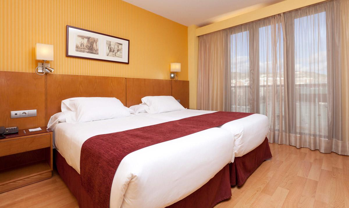 Habitación doble dos camas separadas del hotel Senator Granada Spa