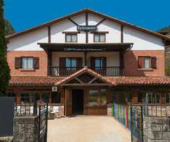 Hotel POSADA ROBLON CABUERNIGA