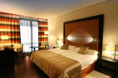 Habitación doble  del hotel Don Manuel Atiram. Foto 1