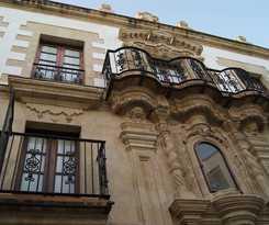 Casa Palacio De Los Leones
