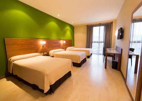 Habitación triple  del hotel Sercotel Gran Bilbao