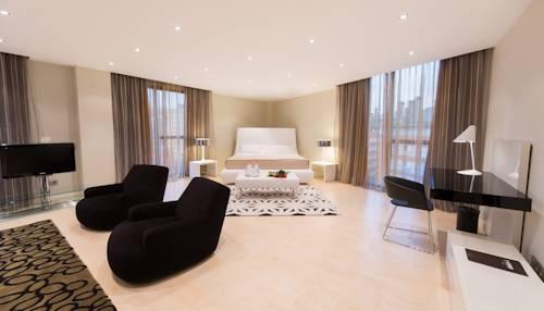 Suite  del hotel Sercotel Gran Bilbao. Foto 1