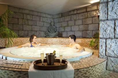 Habitación Doble con Acceso al Spa del hotel Spa Cadiz Plaza. Foto 2
