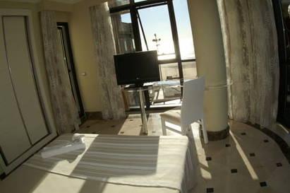 Habitación doble Vista Mar Superior del hotel Spa Cadiz Plaza. Foto 2
