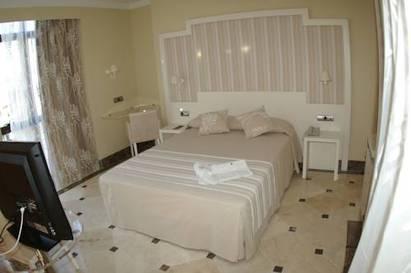 Habitación doble Vista Mar Superior del hotel Spa Cadiz Plaza. Foto 3