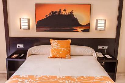Habitación Doble con Acceso al Spa del hotel Spa Cadiz Plaza. Foto 3