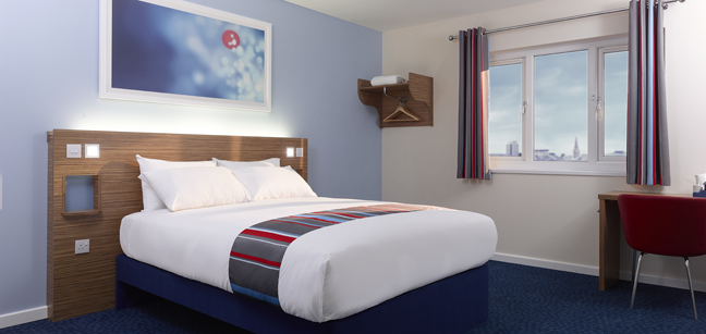 Hotel travelodge london central city road barat simo for Hotel londres habitacion familiar