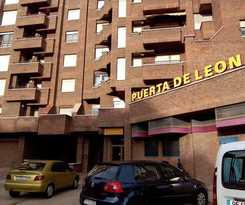 Hotel Puerta De León