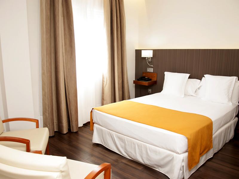 Habitación Doble con Terraza del hotel De Francia y Paris
