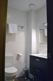 Habitación doble dos camas separadas del hotel De Francia y Paris. Foto 2