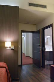 Habitación doble dos camas separadas del hotel De Francia y Paris. Foto 3