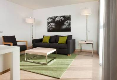 Suite 1 dormitorio del hotel DoubleTree by Hilton Girona. Foto 2