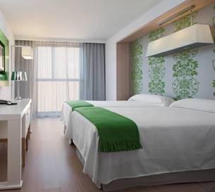 Habitación doble Balcon dos camas separadas del hotel DoubleTree by Hilton Girona