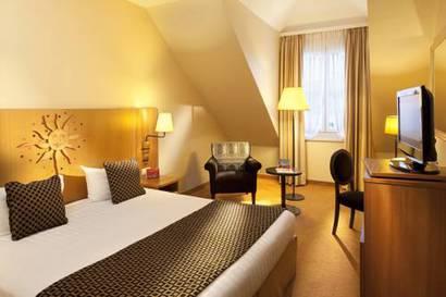 Habitación doble  del hotel Vienna House Dream Castle Paris