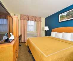 Hotel Magnuson Convention Center