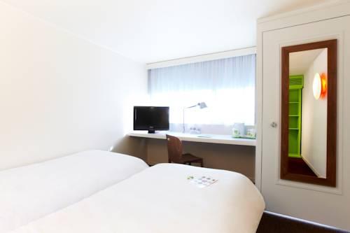 Habitación doble dos camas separadas del hotel Campanile Marne La Vallée Torcy