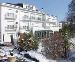 Hotel Le Miramont Rest. Des Petits Pois Sont Rouge