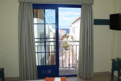 Habitación doble Exterior del hotel El Cabo. Foto 1