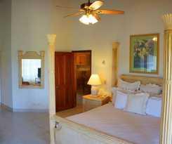 Hotel Paradise Cove Resort