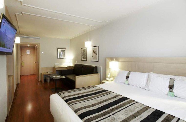Habitación doble  del hotel Holiday Inn Andorra. Foto 1