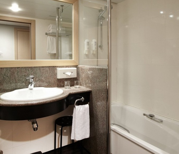 Suite  del hotel Holiday Inn Andorra. Foto 1