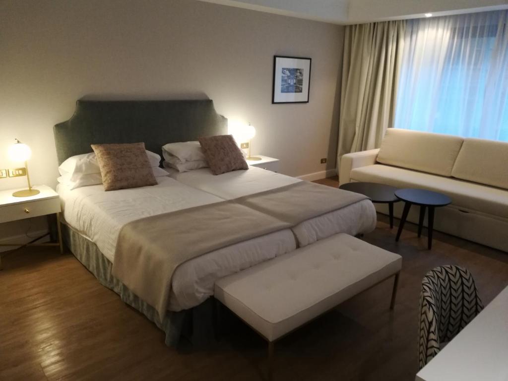 Habitación doble Superior del hotel IZAN AVENUE LOUISE. Foto 1