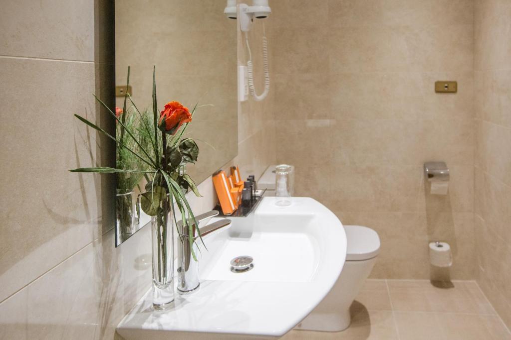 Habitación individual  del hotel IZAN AVENUE LOUISE. Foto 2