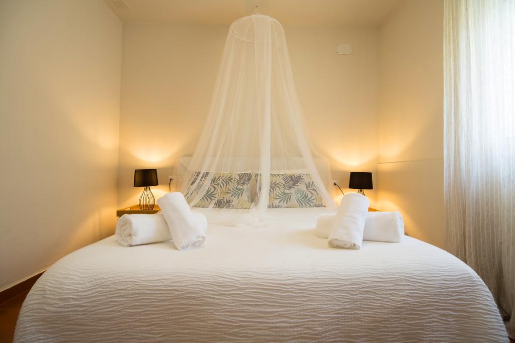 Habitación doble  del hotel Hostal Banti. Foto 1
